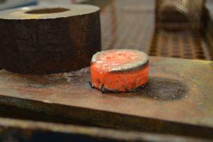 Leistungen: Analyse - Metall härtet aus