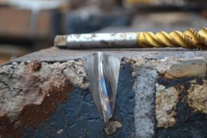 Aufbereitung: Metall aufbohren